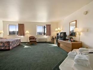 Super 8 Gallipolis Pt Pleasant Area Hotel Gallipolis (OH) - Guest Room