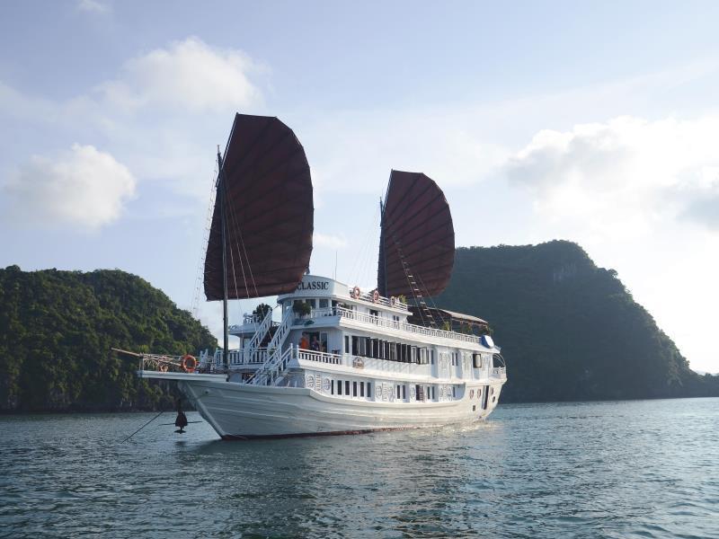 V Spirit Classic Cruises Halong - Hotell och Boende i Vietnam , Halong