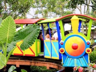 Royal Safari Garden Resort & Convention Puncak - Mini Train