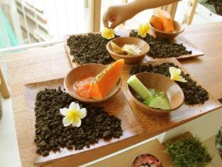 Grandmas Legian Hotel Bali - Massage