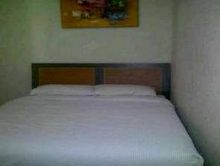 My Hommy Guest House Surabaya - Guest Room