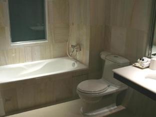 Indochine Hotel Ho Chi Minh City - Suite Bathroom