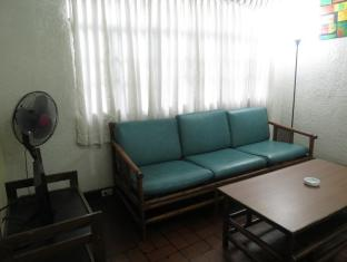 Broadway Court Apartelle 4th Street Manila - Guest Room