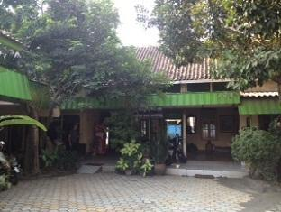 Agung Guest House - Hotels and Accommodation in Indonesia, Asia