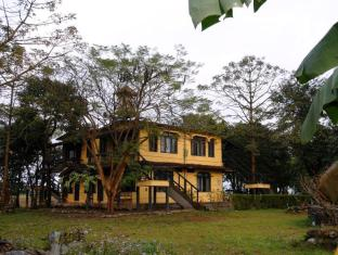 Hotel Sapana Village Lodge Chitwan צ'יטוואן - בית המלון מבחוץ