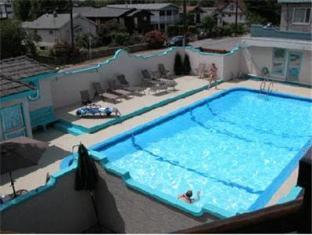 tiki shores condominium beach resort penticton bc canada