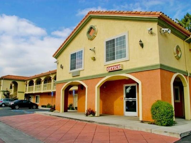 Crystal Inn Suites & Spas - Los Angeles