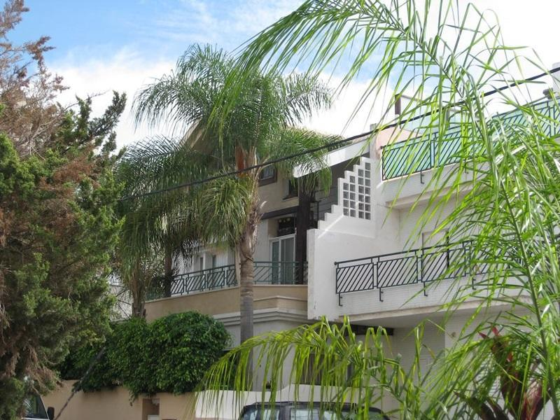 Dekel Guesthouse - Hostel Ramat Gan - Hotels and Accommodation in Israel, Middle East