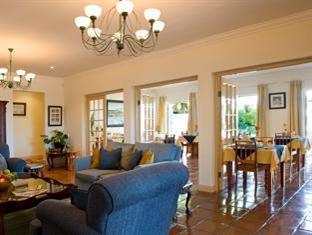 Eikendal Lodge Stellenbosch - Lounge and Inside Breakfast Room