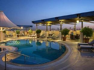 Sheraton Deira Hotel Dubai Dubai - Food, drink and entertainment