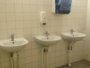Mardi Hostel كوريسار - حمام
