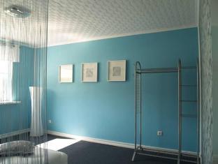 Guesthouse Vesiroosi Pernu - Svečių kambarys