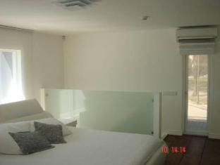 Holiday Villa بارنو - غرفة الضيوف