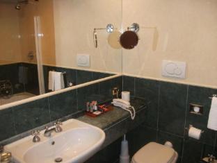 VOI Cicerone Hotel Rome - Bathroom