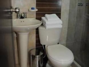 Hotel FidenZi Bogota - Bathroom