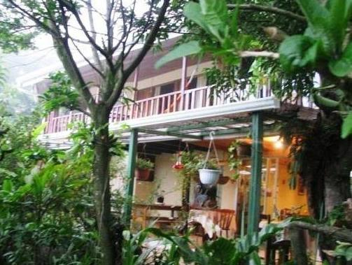 Hotel Los Jardines De Monteverde - Hotels and Accommodation in Costa Rica, Central America And Caribbean