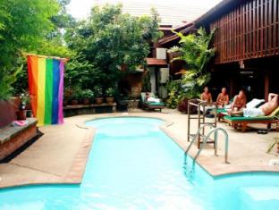 คลับ วัน เซเว่น เกย์ เม็น โฮเต็ล เชียงใหม่  เชียงใหม่ - สระว่ายน้ำ