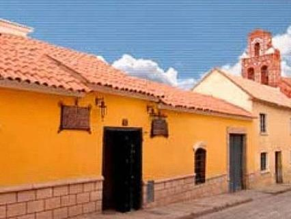 Hotel Santa Teresa - Hotels and Accommodation in Bolivia, South America