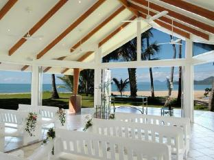hotel reviews of alamanda palm cove resort by lancemore. Black Bedroom Furniture Sets. Home Design Ideas