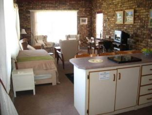 Photo 1 Jo-lien Self Catering