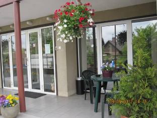 Kanali Villa Hotel פרנו - בית המלון מבחוץ