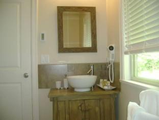 Inlet Bay Retreat Bed and Breakfast Port Moody (BC) - Bathroom