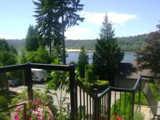 Inlet Bay Retreat Bed and Breakfast Port Moody (BC) - Surroundings