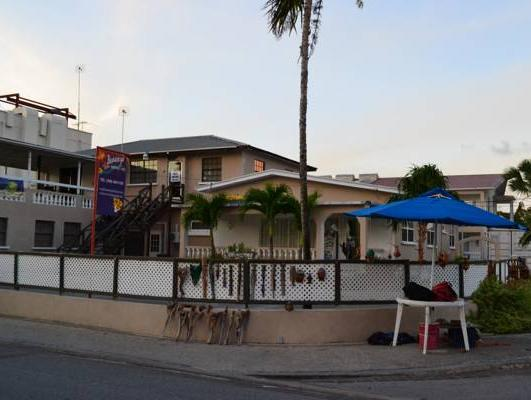 Bonanza Apartments - Hotels and Accommodation in Barbados, Central America And Caribbean