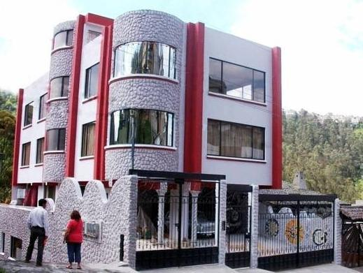 Chez Elena Guesthouse - Hotels and Accommodation in Ecuador, South America