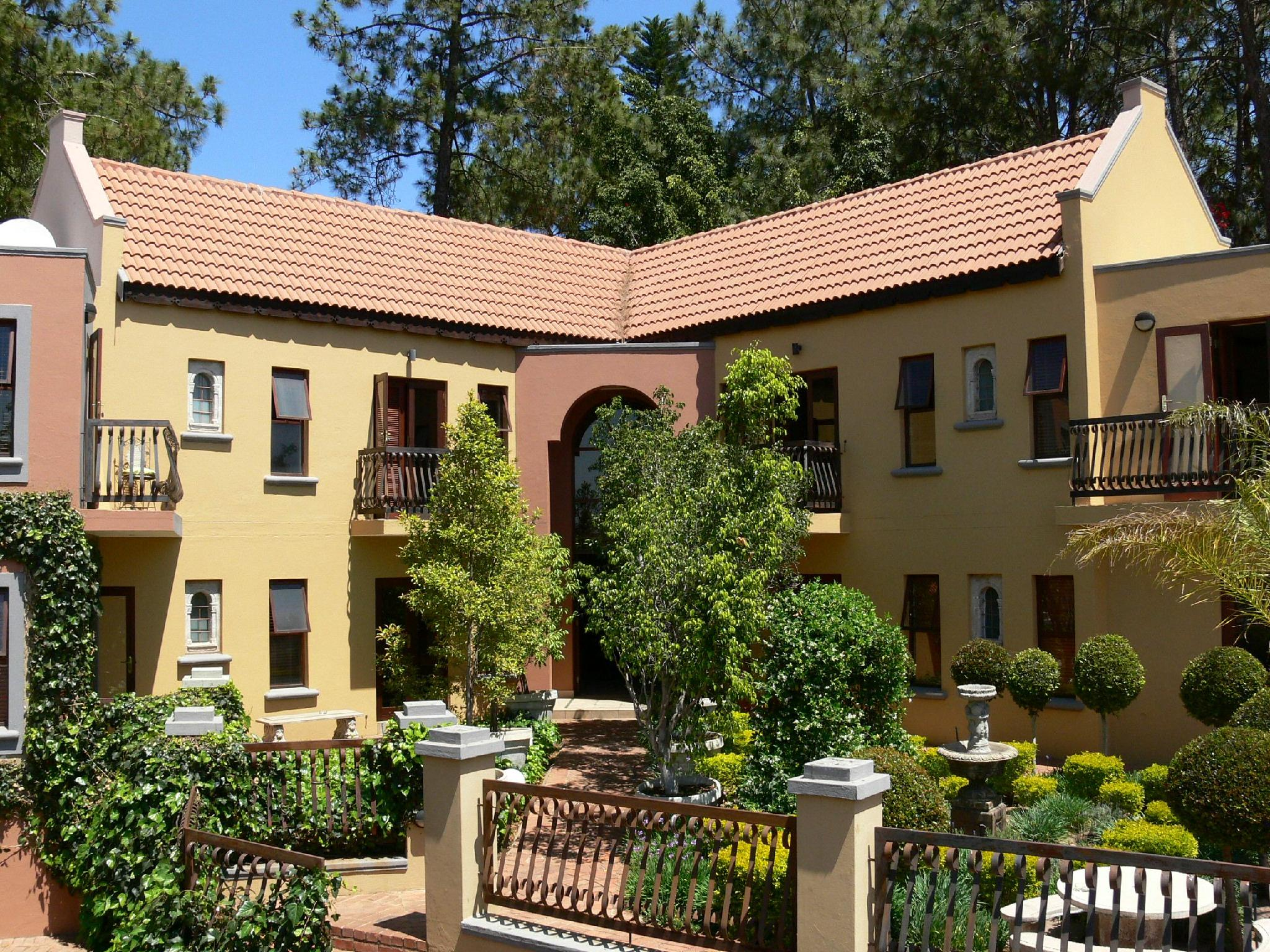 Mont Dor Bohemian House - Hotels and Accommodation in South Africa, Africa