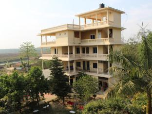 Hotel River Side Chitwan National Park - Deluxe Building