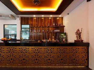 Lana Beach Residence Phuket - Otelin İç Görünümü