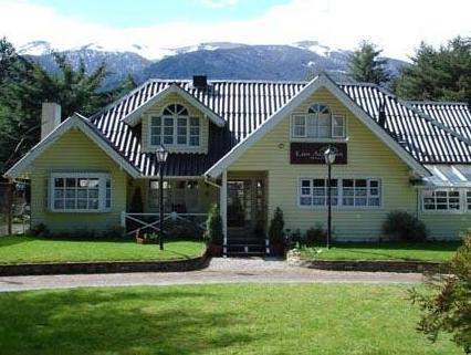 Hostería Las Acacias - Hotels and Accommodation in Argentina, South America