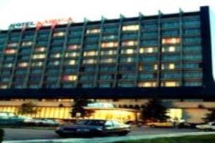 ナポカ ホテルの外観