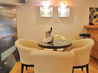 Acropolis Select Hotel Atene - bar/salon