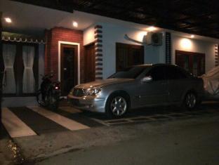 Alamat Hotel Murah Rumah Kos Tebet Barat House Jakarta