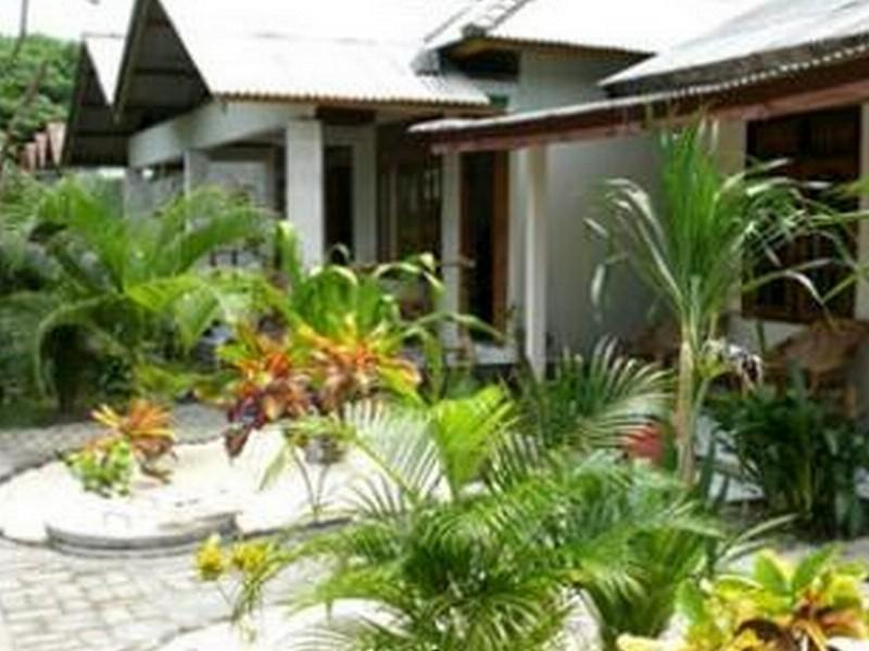 Wrap A Snapper Bungalow - Hotels and Accommodation in Indonesia, Asia