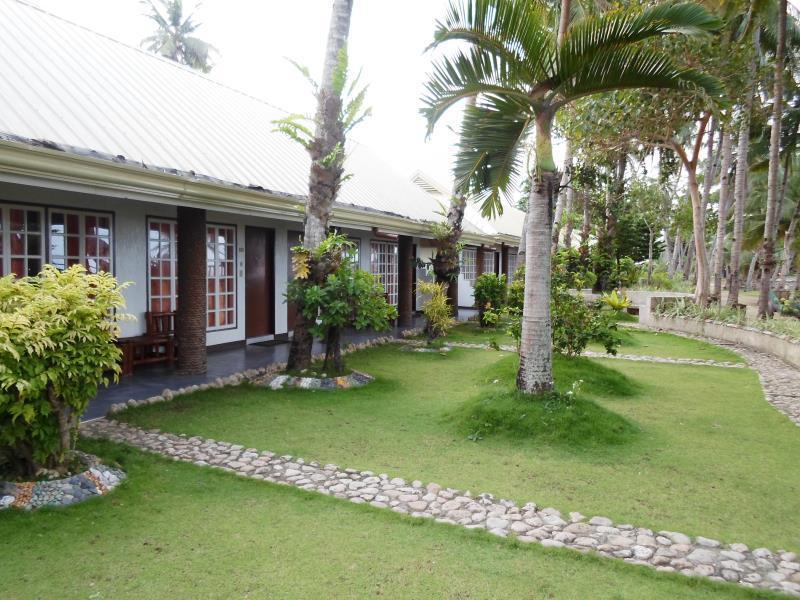 Estaca Bay Resort סבו