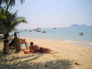 Sea Scene Resort หรือ ซีซีน รีสอร์ต