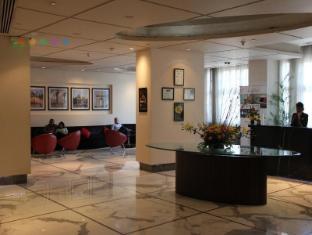 Radisson Blu Marina Hotel Connaught Place New Delhi and NCR - Khu vực lễ tân