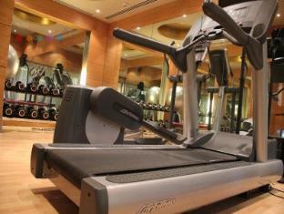 Radisson Blu Marina Hotel Connaught Place New Delhi and NCR - Phòng tập thể hình