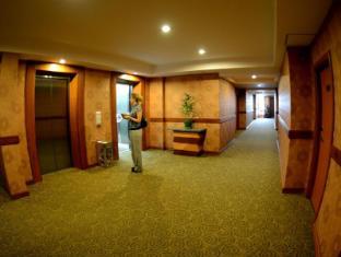 Best Western Green Hill Hotel Yangon - Guest lift
