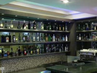 Best Western Green Hill Hotel Yangon - Cafe' Green Hill Bar