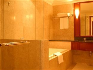 FNF Service Suite at Times Square Kuala Lumpur - Bathroom