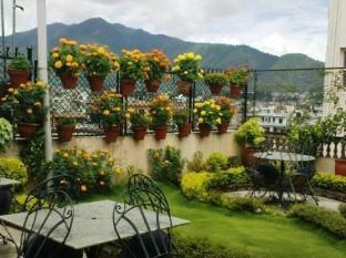Kathmandu Peace Guest House Kathmandu - View from roof top garden