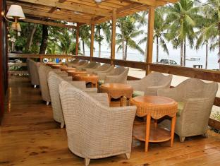 BlueFins Resort Cebu - Café