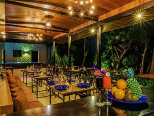 Escape De Phuket Hotel Phuket - Food, drink and entertainment