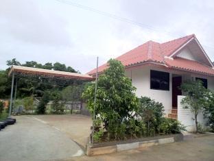 Baan Rak Sa Bai Resort Pattaya - Hotel Exterior