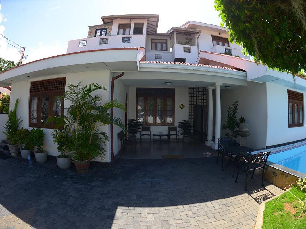 Suriya Arana Hotel