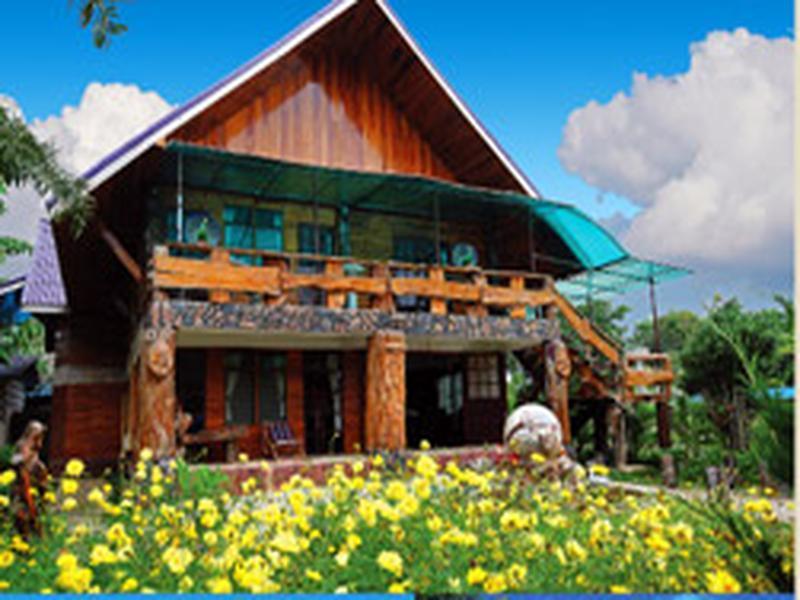 Hotell Fah Sai Riverview Accommodation i , Petchaburi. Klicka för att läsa mer och skicka bokningsförfrågan